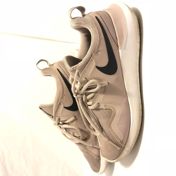 935c3336993 Nike Tessen Womens Running Shoes 7 Pink Rose AA217.  M 5be8fcc9aa87700432132e8b